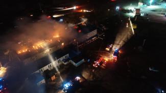 Появилось видео полыхающей гостиницы на трассе М-4 «Дон» в Воронежской области