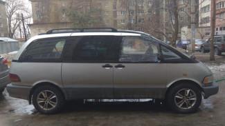 В Воронеже неизвестный разбил стёкла двух иномарок
