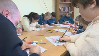 Вышивка, танцы и прогулки. Как будут ухаживать за стариками и инвалидами в Воронежской области