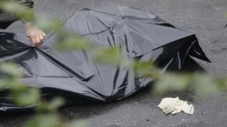 Во дворе дома в Воронеже нашли мёртвого мужчину