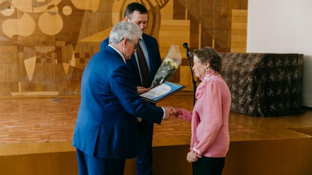 На Нововоронежской АЭС поздравили ветеранов-атомщиков