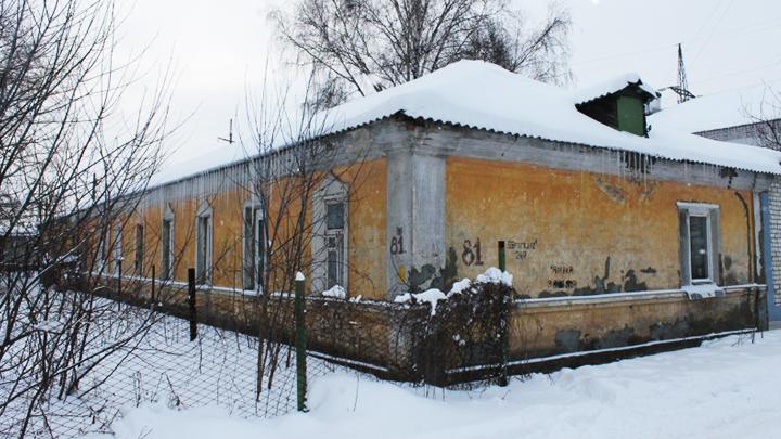 В Воронеже жильцы аварийного барака более 20 лет не могут добиться расселения