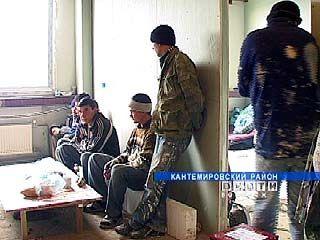 14 нелегальных мигрантов работали на строительстве таможни в Бугаевке
