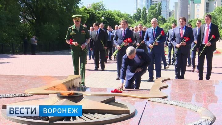 Память погибших во время Великой Отечественной войны почтили в Воронеже