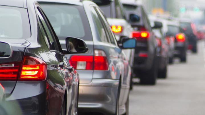 В центре Воронежа из-за сломанного светофора образовались серьёзные пробки