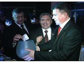 2.405 тыс. рублей собрано на губернаторском балу