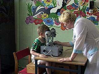 25 детей со слабым зрением получили комплексное лечение