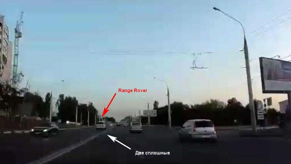 В Воронеже грубейшее нарушение ПДД водителем люксового внедорожника попало на видео