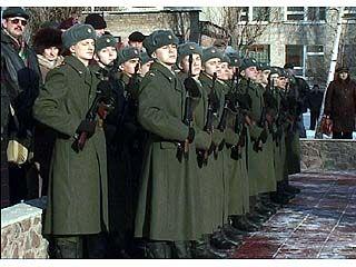 46 солдат-срочников приняли присягу в ВВВАИУ