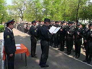 48 воронежских милиционеров посвятили в профессию