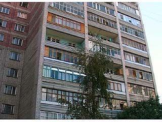 7-летний мальчик выпал из окна 10-го этажа