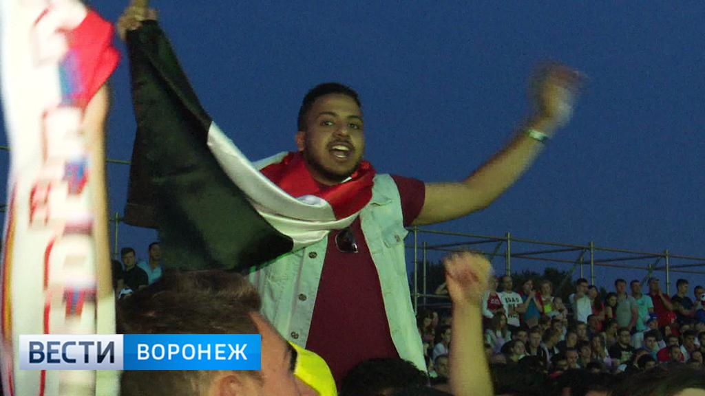 Какая боль! Наблюдающие за матчем на Адмиралтейке египтяне до последнего не теряли оптимизма