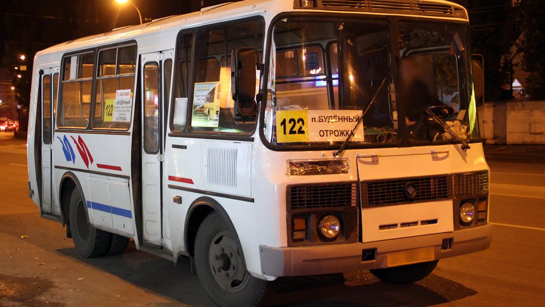 Выпавшая из маршрутки жительница Воронежа: «Водитель даже не остановился»