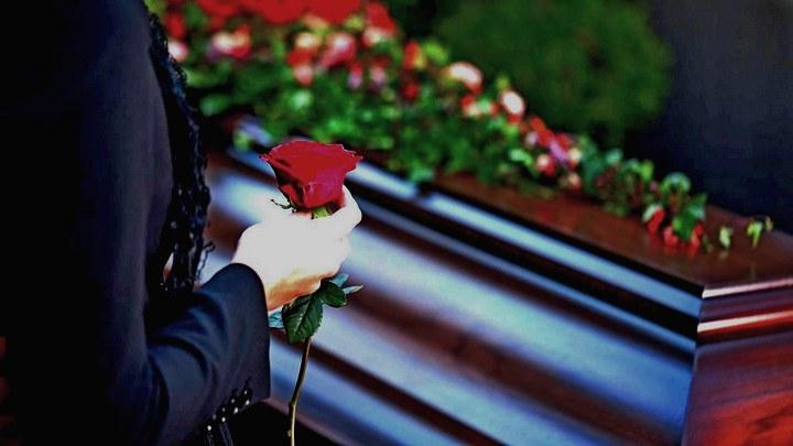 Из-за ошибки в воронежском морге семья похоронила незнакомую женщину
