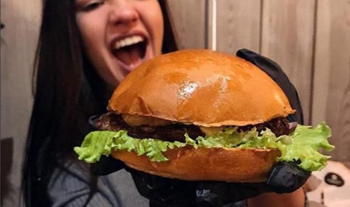 Открытие бургерной Black Star Burger в Воронеже отложили до весны 2018 года