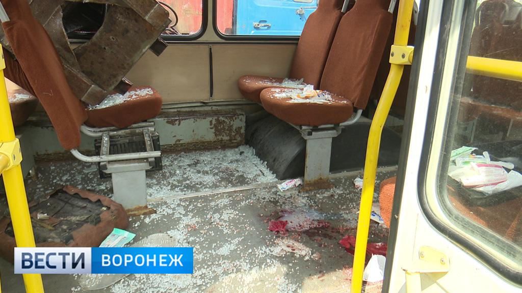 При ЧП с рухнувшим на автобус ковшом мусоровоза пострадала ещё одна пассажирка