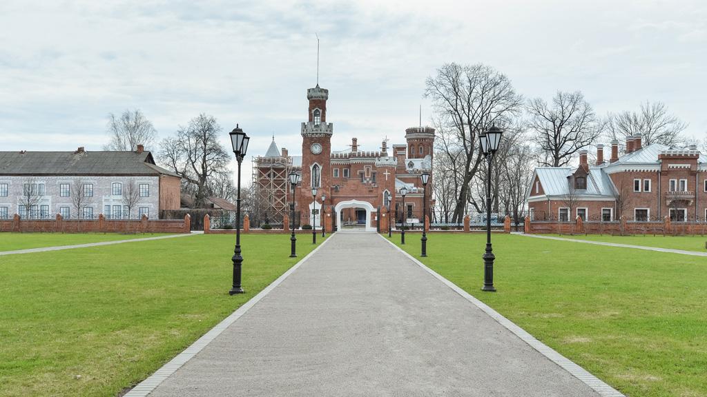 В парке дворца Ольденбургских под Воронежем появится современный сад с фонтаном