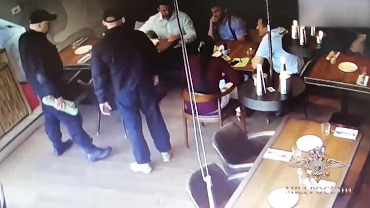 Воронежец «купился» на инсценировку лжебанкиров в Москве и отдал им 4,7 млн рублей
