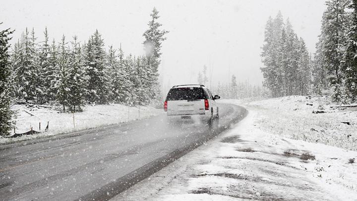 Спасатели предупредили воронежских автомобилистов о сильном снеге и ветре
