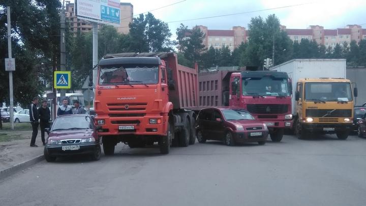 Массовая авария заблокировала движение на улицах Воронежа