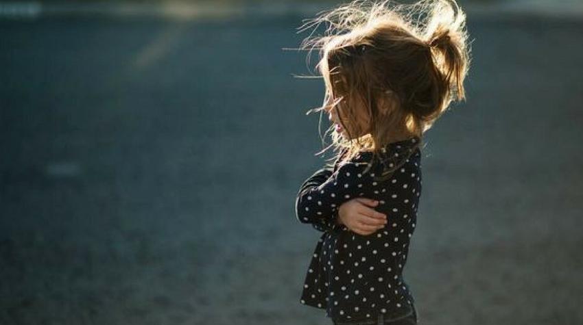 В центре Воронежа на улице нашли маленькую девочку