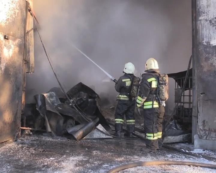 ВИДЕО: МЧС опубликовало съёмку тушения пожара в Воронеже «изнутри»