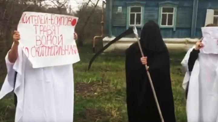 Жители Воронежской области в «фильме ужасов» пожаловались на проблемы с водой