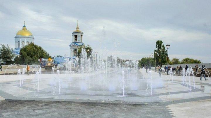 На Советской площади в Воронеже реконструируют общественный туалет