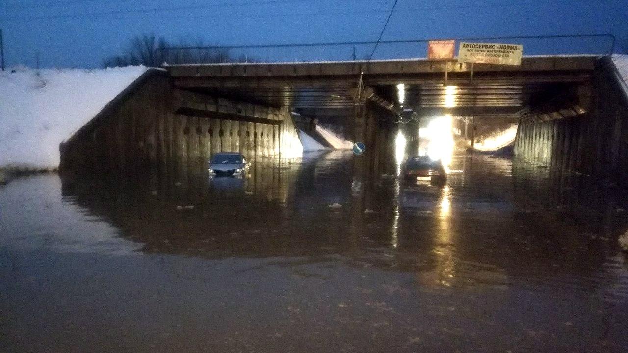 «Нормально плаваем». В Воронеже из-за дождя затопило 5 улиц
