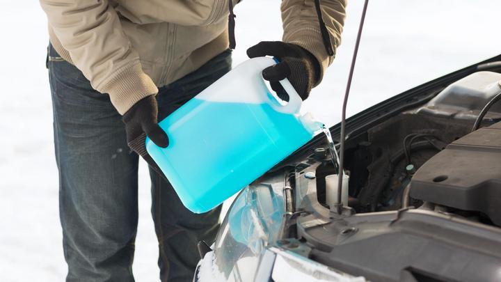 Воронежских водителей предупредили об опасной для жизни и здоровья «незамерзайке»