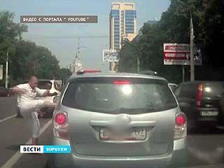 """Агрессивный водитель """"Porsche Cayenne"""" отделается штрафом в 5,5 тысяч рублей"""
