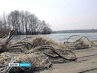 Акваторию водохранилища очистили от 6 километров незаконных снастей