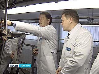 Алексей Гордеев побывал на Воронежской кондитерской фабрике