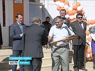 Алексей Гордеев побывал с рабочим визитом в Панинском и Новоусманском районах