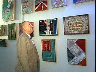 Алексей Гордеев посетил выставку воронежского художника Андрея Богачева