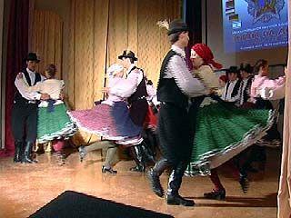 Артисты народного венгерского ансамбля впервые гастролируют в Воронеже