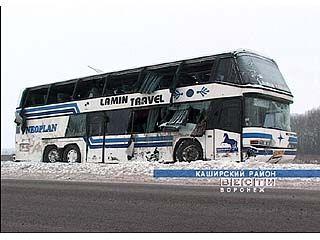 """Автобус """"Неоплан"""" перевернулся по вине нетрезвого водителя """"Нивы"""""""