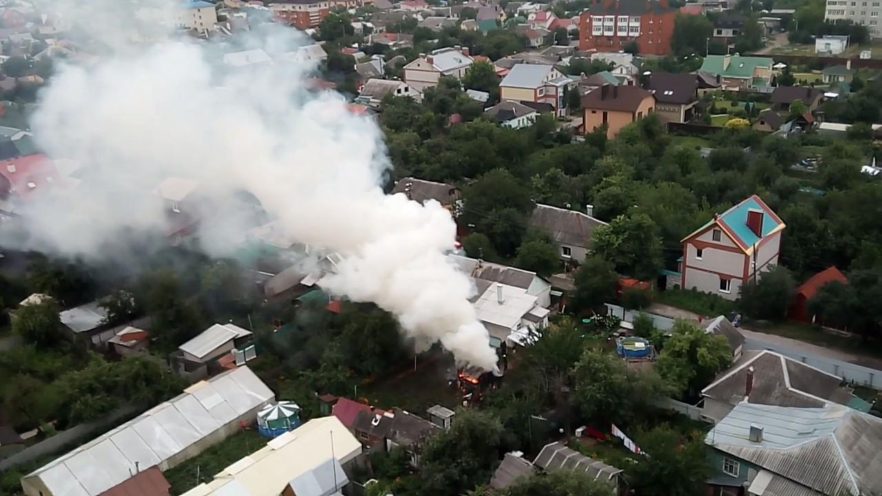 В Воронеже крупный пожар сняли на видео с высоты птичьего полёта