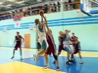 """Баскетболисты """"СКИФа"""" встретились с подмосковной командой """"Лобня"""""""