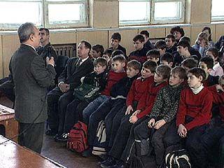 Борис Грибанов встретился с учениками 9-ой воронежской школы