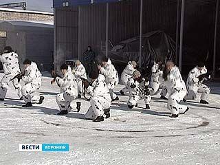 Бойцы ОМОНа устроили показательные выступления для школьников