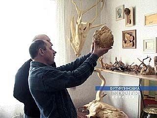 Бутурлиновский художник делает скульптуры из корней деревьев