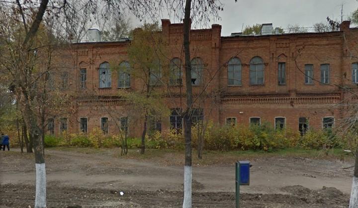 Мэрия Воронежа выставила на торги здание из комплекса «Чижовских казарм»