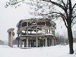 Часть 2: В советское время памятники сносили по идеологическим соображениям, теперь - по финансовым