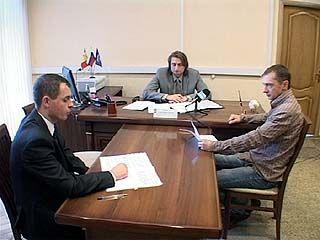 Депутат Госдумы отвечал на вопросы воронежцев в приемной Путина