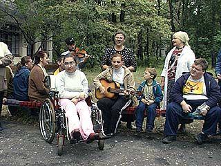 """Дети-инвалиды отдохнут в лагере """"Кристалл"""""""