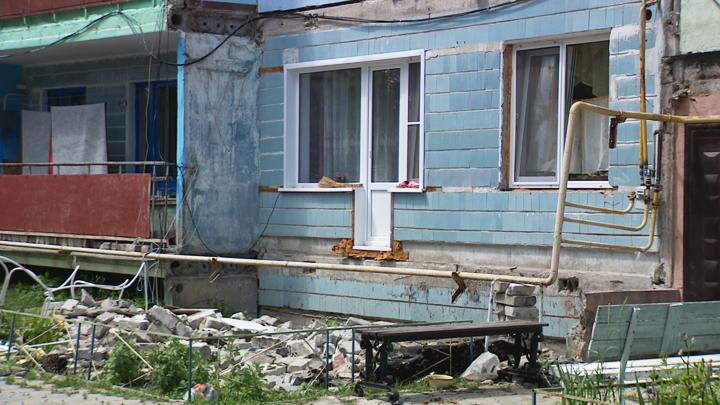Жильцы опасного дома под Воронежем рассказали о своём ежедневном страхе