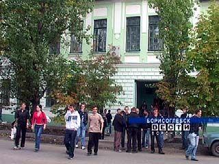 Директор борисоглебской школы подозревается в вымогательстве