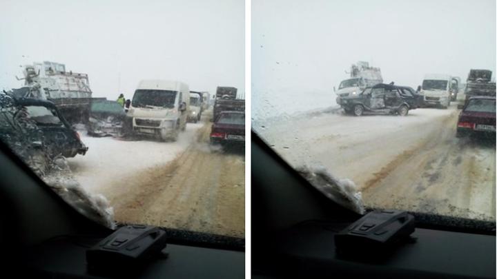 Под Воронежем из-за крупной аварии на трассе образовался огромный затор в обе стороны