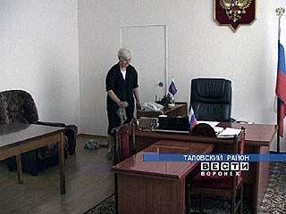 Должность главы Поворинского района остается вакантной